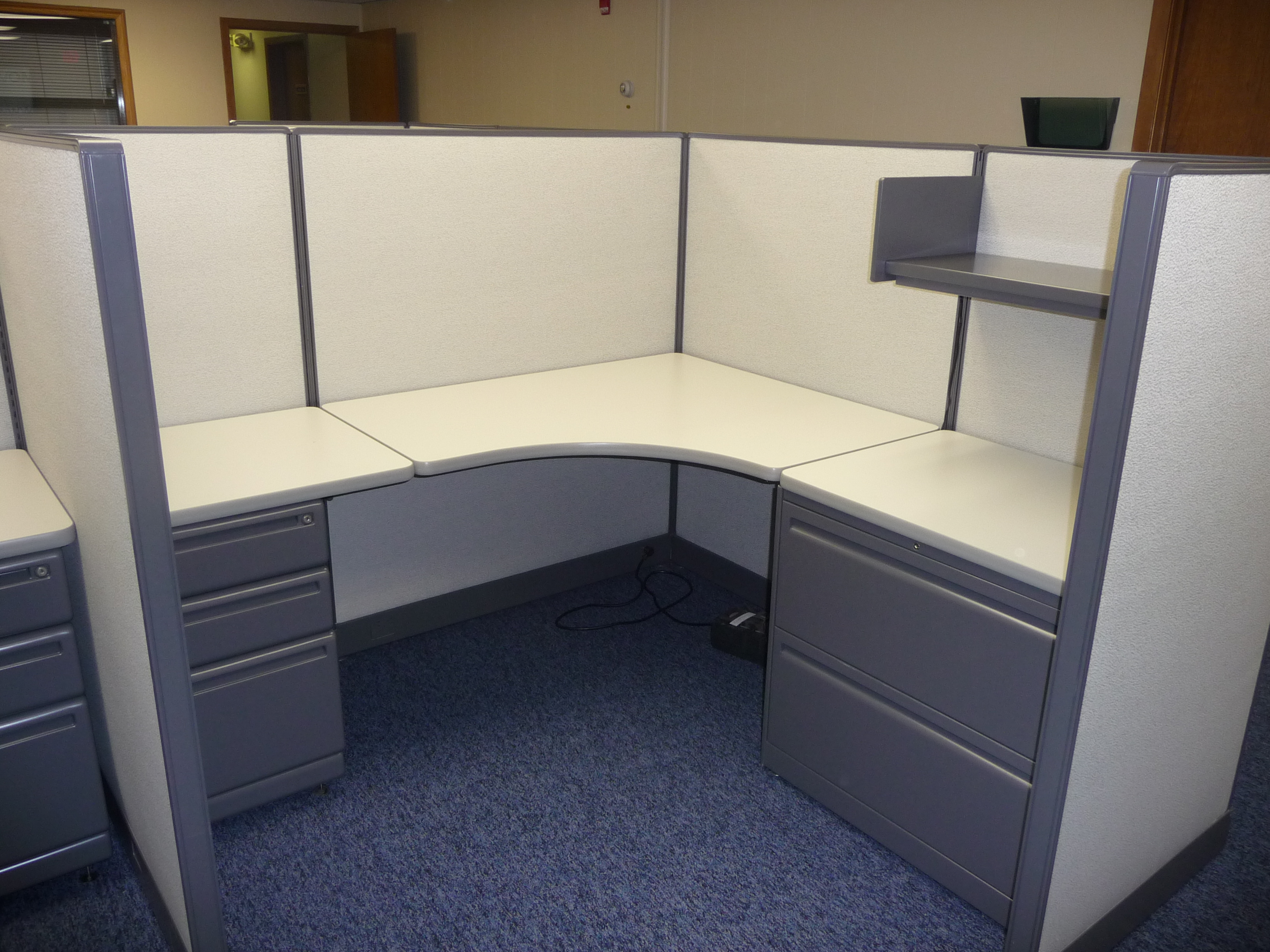 Office Cubicles, Haworth remanufactured, laminate (Smoke), Paint (graphite)